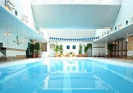 ANAクラウンプラザホテル大阪の屋内プール(画像引用元:ANAクラウンプラザホテル大阪)