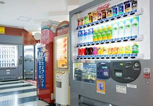 ホテル近鉄ユニバーサル・シティの自動販売機コーナー(画像引用元:ホテル近鉄ユニバーサル・シティ)