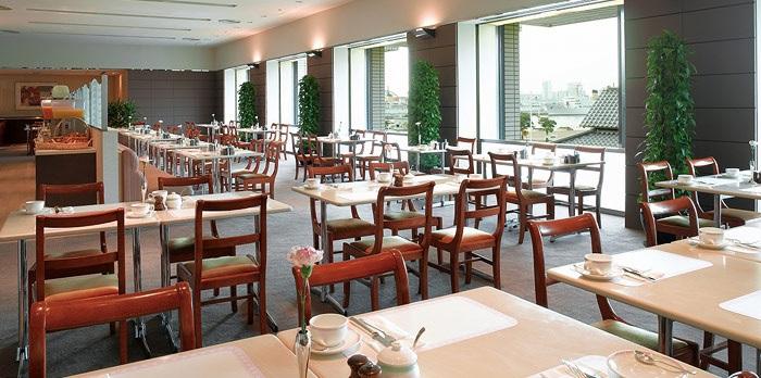 ホテルオークラ神戸のバイキングビュッフェレストラン(画像引用元:楽天トラベル)