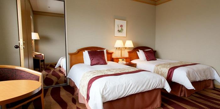 ホテルプラザ神戸の大人数宿泊客室(画像引用元:楽天トラベル)