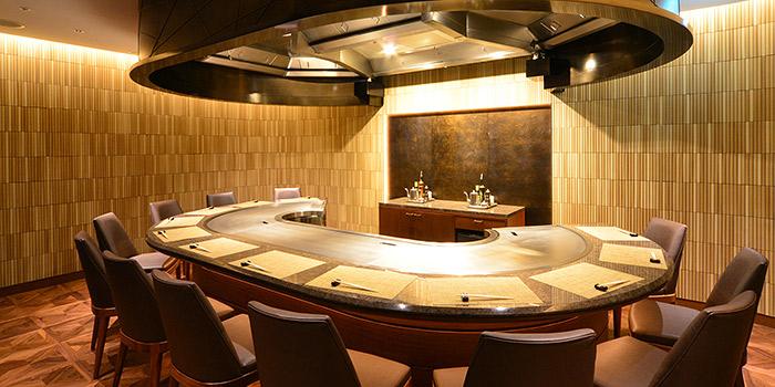 神戸ポートピアの鉄板焼きレストラン(画像引用元:楽天トラベル)